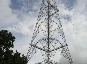equipo-tecnico-etesa-realizan-mantenimiento-a-las-torre-no-30-73